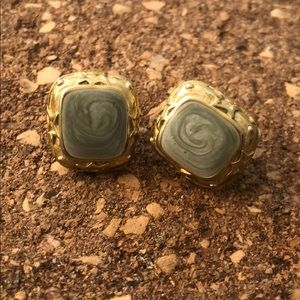 Vintage earrings green & golden details